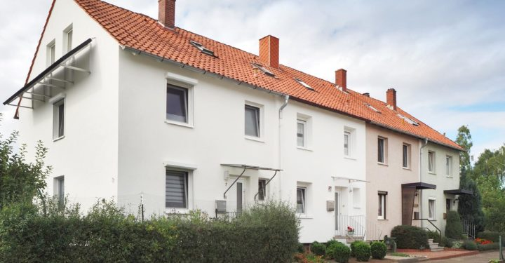 Vermietetes Reihenmittelhaus in zentraler Lage, 31832 Springe, Reihenmittelhaus zum Kauf